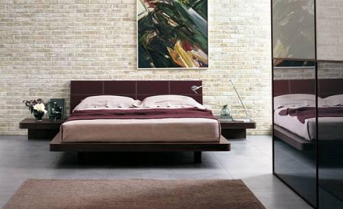 Дизайн в спальне с кованной кроватью